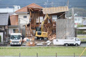 家屋(空き家)の解体工事の具体的な流れを解説!メリット・デメリットとは?
