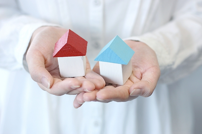 家を売る際の基本的な流れや税金・必要書類・高く売る方法について解説