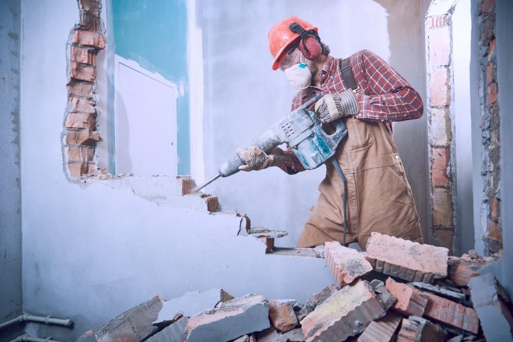 100坪の家の解体にかかる費用相場は?費用を抑える方法についてご紹介!